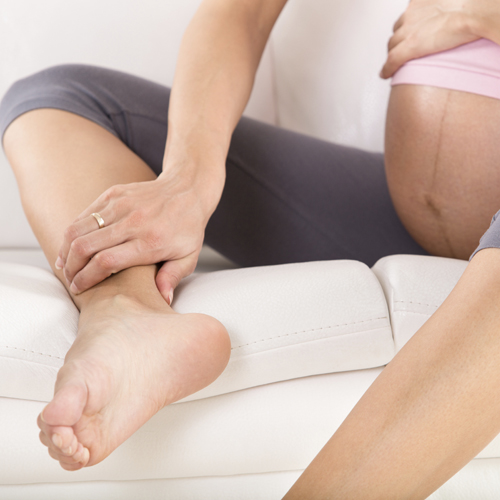 8 stressless treatment to ease a swollen ankles during pregnancy